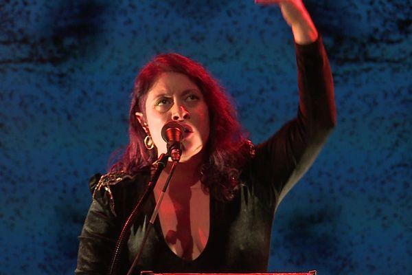 """Rencontre avec Mood, une chanteuse normande révélé par """"The Voice"""" en 2016"""