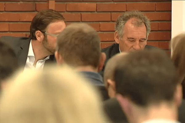 François Bayrou aux côtés du chef de file des candidats du MoDem en Rhône-Alpes / Auvergne
