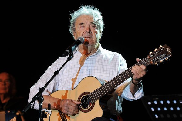 Pierre Perret au festival Alors Chante le 4 mai 2016.