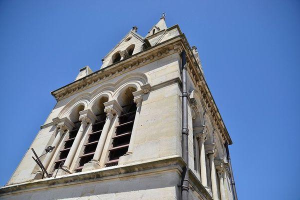 La ville de Bellegarde se situe dans le Gard, au sud-est de Nîmes