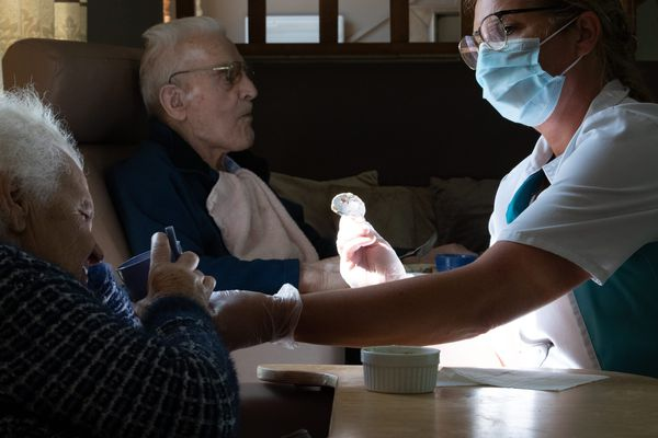 Des milliers de morts du coronavirus sont redoutés en maisons de retraite au Royaume-Uni