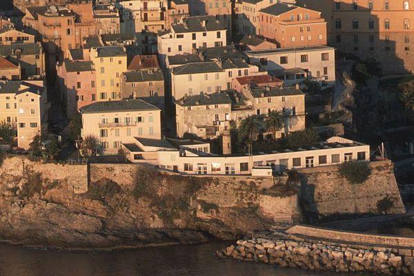 Le lycée maritime et aquacole de Bastia est situé au cœur de la citadelle.
