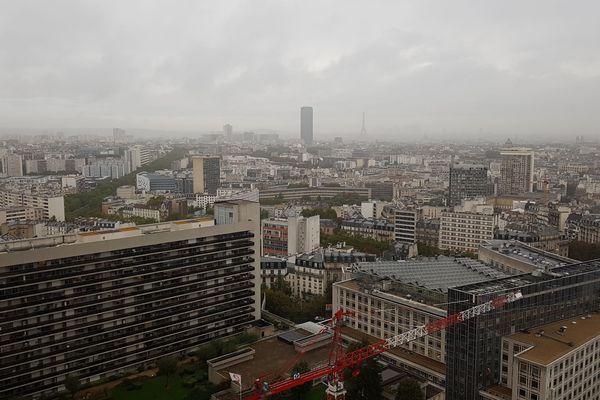 Un orage va toucher la région Ile-de-France ce lundi 14 octobre.