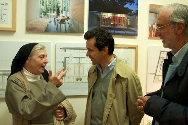 Soeur Brigitte et Renzo Piano en compagnie du journaliste NiKolai Ouroussof