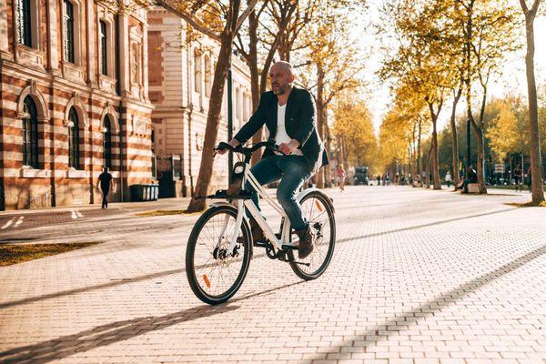"""""""Christophe Baeza, fondateur de l'entreprise ThirtyOne qui fabrique des vélos électrique à Villeneuve-de-Rivière près de Toulouse"""