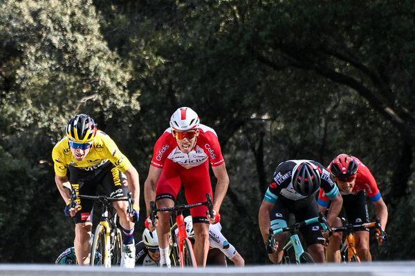 Le Slovène Primoz Roglic (Jumbo) s'est montré le plus fort pour gagner la 6e étape de Paris-Nice, ce vendredi 12 mars, à Biot... Ici le passage du fameux mur !