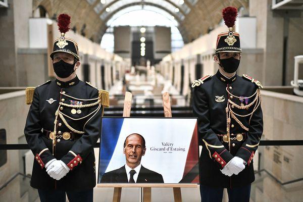Un hommage a été rendu à l'ancien président Valéry Giscard d'Estaing le 9 décembre 2020 au musée d'Orsay, qui portera peut-être bientôt son nom.