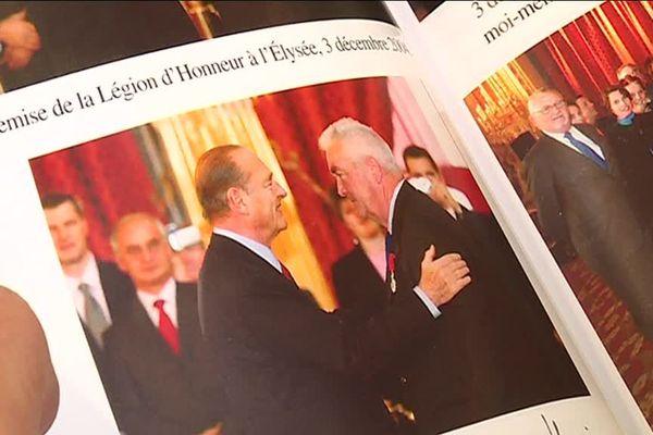 Photographie tirée du livre de Robert Bredèche, on le voit aux côtés de son ami Jacques Chirac.
