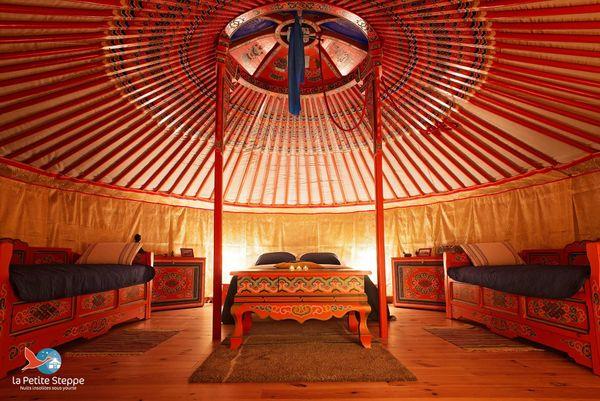 La yourte de la petite steppe, au Petit-Landau, accueille jusqu'à 5 personnes.