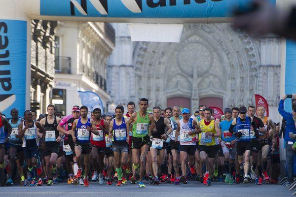 Le départ du marathon de Nantes en 2015