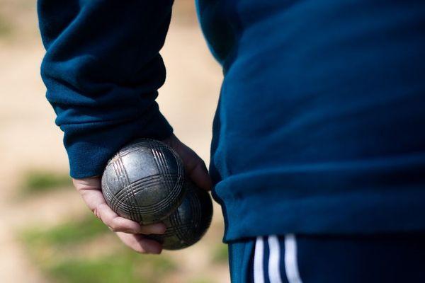 Un joueur de pétanque a été verbalisé en Haute-Loire pour n'avoir pas respecté le confinement lié à l'épidémie de coronavirus. Photo d'illustration.