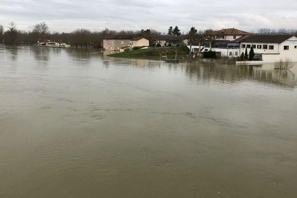 La Saône est en crue à Crêches-sur-Saône
