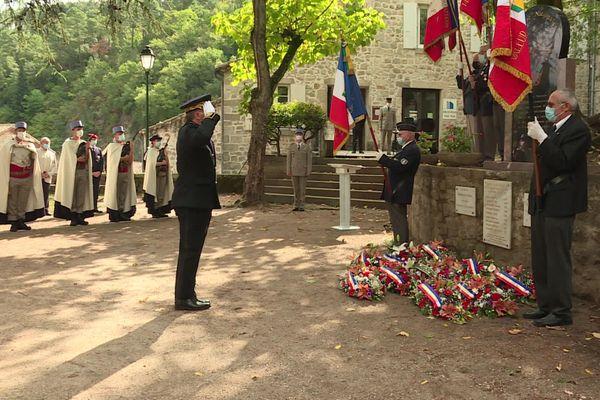 Des harkis sont toujours installés à Largentière (Ardèche), où une cérémonie avait lieu vendredi 25 septembre pour leur rendre hommage.