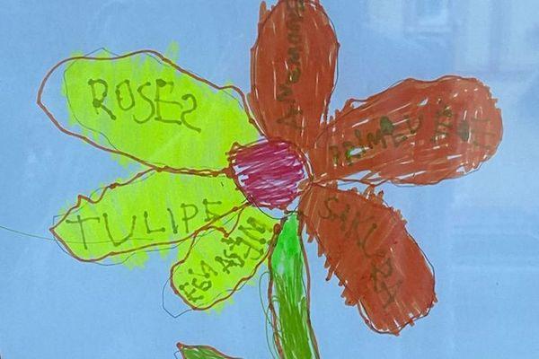 Les enfants de grande section de l'école de Mousseaux-sur-Seine envoient des dessins à des résidents d'un Ehpad pour égayer leur quotidien.