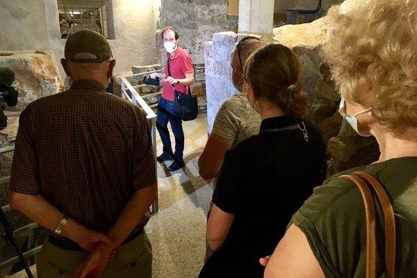 Les visites guidées qui ont repris début juillet 2021 commencent par la découverte du tombeau de Saint-Martial