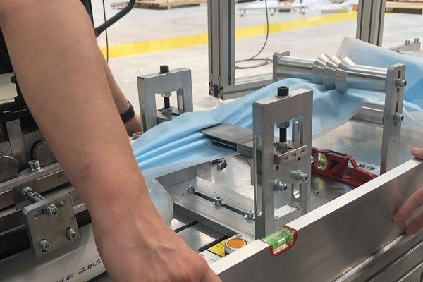 L'usine Bioserenity est installée à Rosières-près-Troyes. La fabrication des masques débute ce 12 mai sur des lignes robotisées.