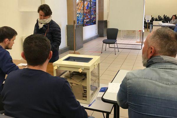 Le vote des électeurs de Montélimar n'est pas en faveur du maire sortant, Franck Reynier, qui termine en troisième position du 1er tour des Municipales du 15 mars 2020