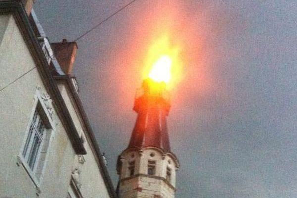 Une voisine du château de Malans a pris cette photo vers 21 heures ce samedi 30 juin.