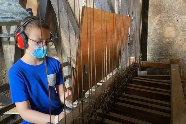 Aurélien, 11 ans aux auditions diplômantes au carillon de Notre-Dame-de-la-Platé à Castres