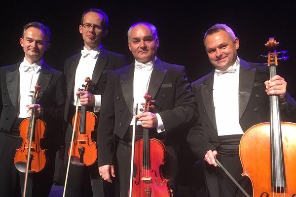 Les musiciens du Mozart Group.