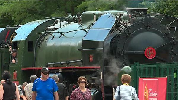 Passionnés et défenseurs du Cévenol militent pour la remise sur rail de la locomotive historique.