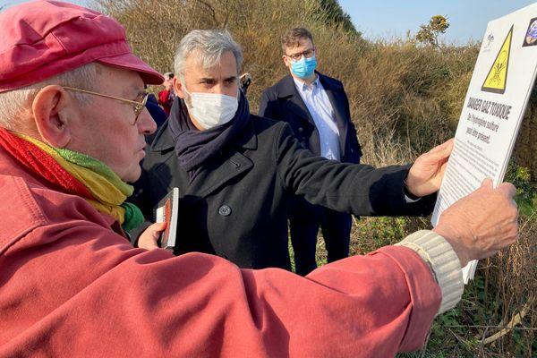 Alexis Corbière a plaidé pour une réflexion collective concernant l'agriculture de demain sans opposer les camps