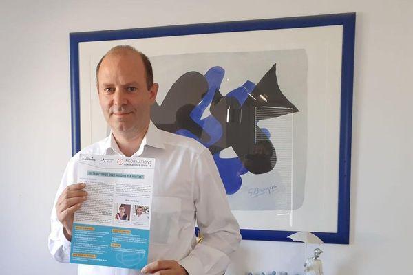 Marc-Antoine Quenette (DV), arrivé deuxième aux municipales à Annonay (Ardèche) décide de déposer un recours en justice pour contester l'élection de Simon Plénet (PS). Il lui reproche des irrégularités pendant la campagne électorale.