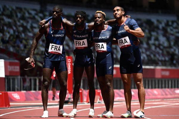 """Malgré un chrono de 38""""18, le relais 4X100m masculin tricolore emmené par les Rolivalois Ryan et Mickaël Zézé (deuxième et troisième en partant de la gauche) ne disputera pas la finale."""