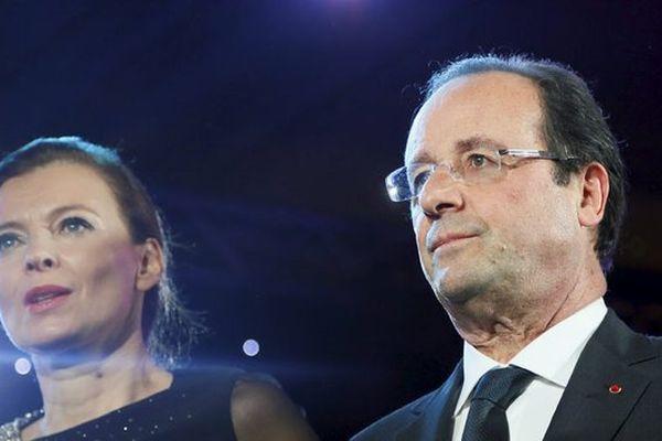 """François Hollande a annoncé samedi à l'AFP """"la fin de sa vie commune avec Valérie Trierweiler"""""""
