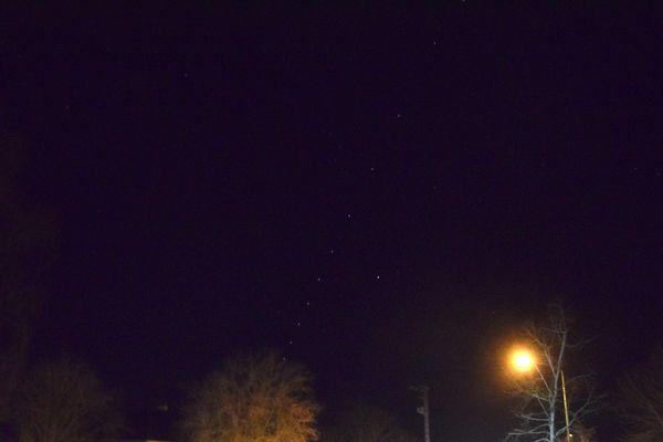 La nuée de satellites Starlink de passage dans le ciel dijonnais