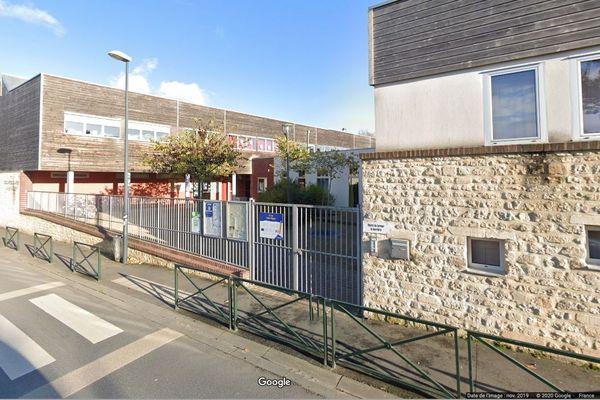 L'école de la Haie-Vigné à Caen compte 198 élèves répartis dans deux bâtiments distincts qui accueillent les maternelles d'un côté et les classes élémentaires de l'autre