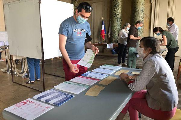 Un bureau de vote de Blois, dans le Loir-et-Cher, ce 20 juin