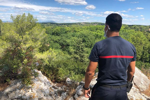 """Au Nord de Montpellier, le risque feu de forêt est considéré comme """"très sévère"""". / 3 août 2020."""