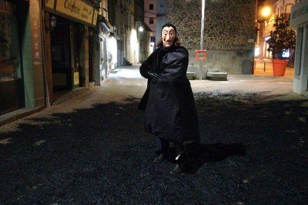 """""""Une ville recouverte des confettis de la nuit, pour ne pas oublier ce qui est, ce qui se tapit dans l'ombre"""", indique leur communiqué de presse"""
