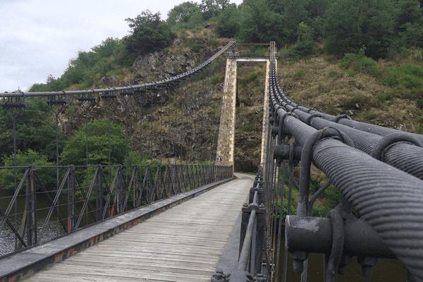 Le seul pont suspendu de Creuse près d'Evaux-les-Bains