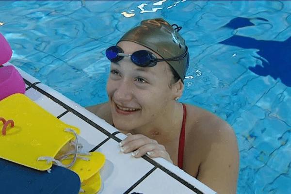 La limougeaude Laura Paquit, nouvelle championne de France du 200m brasse.