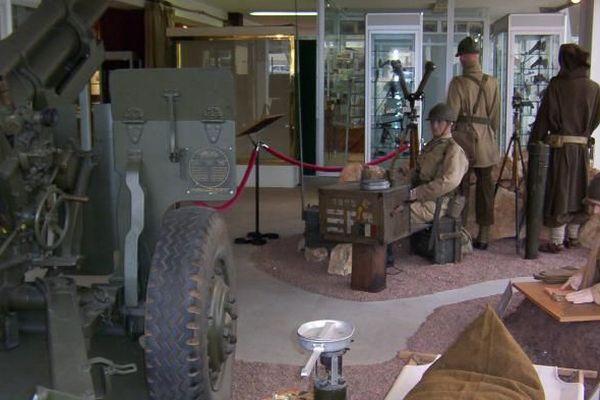 Musée appartenant au ministère de la Défense. A travers l'histoire de l'évolution des techniques de l'Artillerie, le musée déroule l'histoire de la France - ouvert sam et dim 9h-12h et 13h30-17h30
