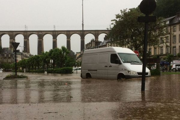 Le centre-ville de Morlaix sous les eaux