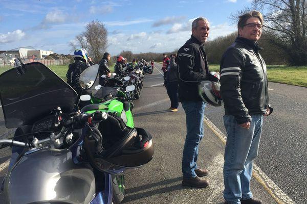 150 motards ont rendu hommage le 29 février 2020 à Fabien, le motard tué le 6 janvier 2020 sur le boulevard de la Prairie de Mauves à Nantes.