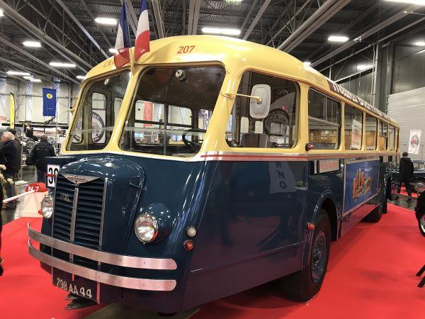 Le bus Chausson exposé au salon du véhicule de collection Historic Auto 2020