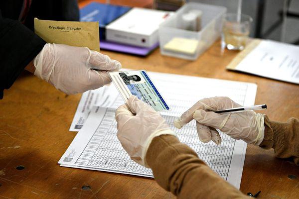 A Orléans, le bureau de vote de l'école élémentaire des Cordiers.