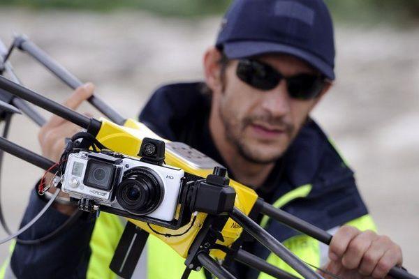 Un drone équipé de caméra pour surveiller les ouvrages de la SNCF.