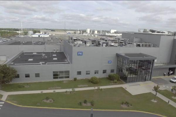 L'usine Procter & Gamble à Amiens a été mis en service en 1964 pour la production de savons. Elle s'est ensuite recentrée sur la production de lessives.
