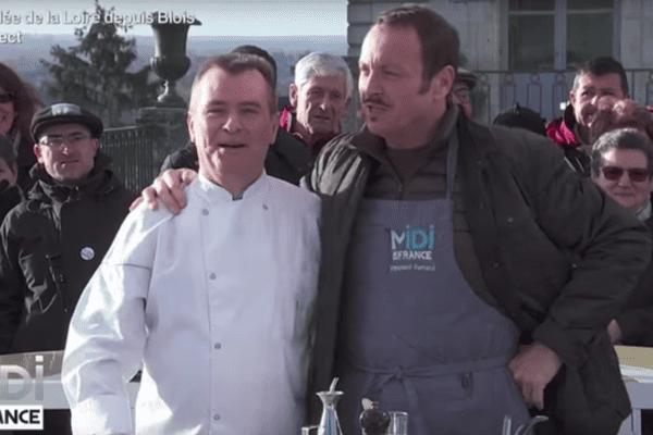 à gauche, Rémy Giraud, Chef doublement étoilé au Guide Michelin, sur le plateau de l'émission Midi en France à Blois le 5 janvier 2016