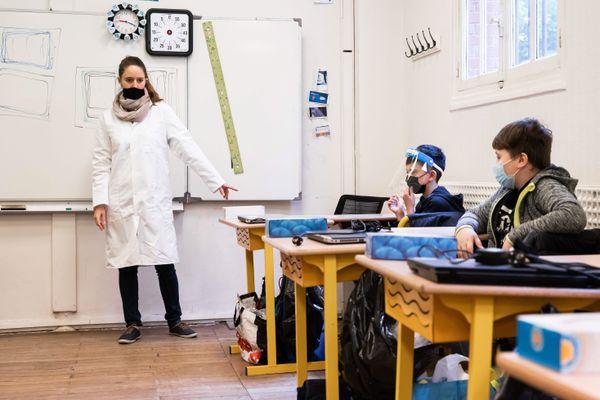 Le masque sera obligatoire pour tous les élèves à partir de onze ans et le personnel scolaire.