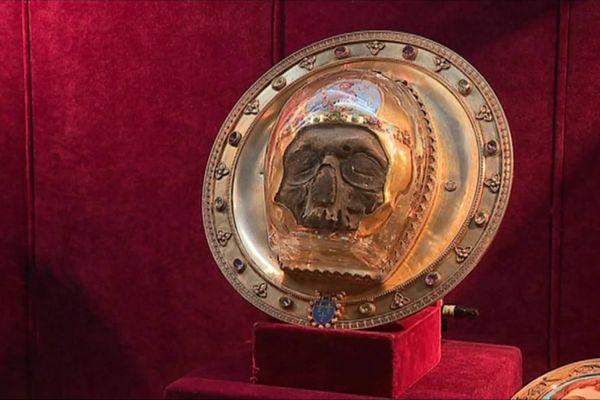 La relique du chef de Saint Jean-Baptiste exposée dans le trésor de la cathédrale d'Amiens
