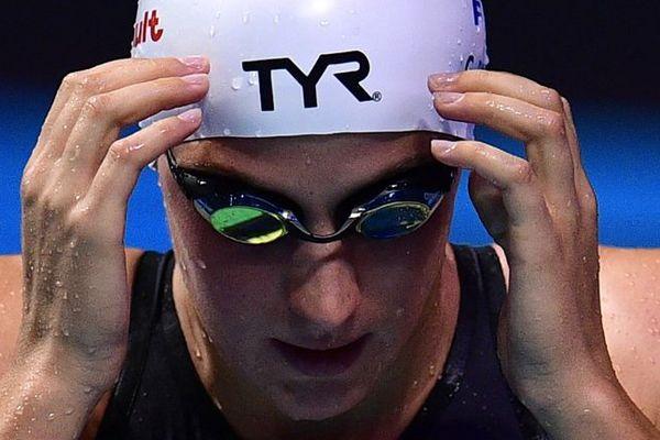 Charlotte Bonnet dans le bassin des championnats du monde de natation à Budapest