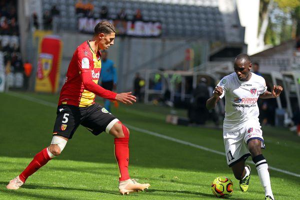 Malgré une nette domination, le Clermont Foot a laissé s'envoler la victoire face à Lens, sur le score de 1 à 0, samedi 4 mai.