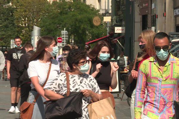 Comme ici à Lille, le port du masque devient obligatoire dans certaines rues d'Amiens dès le 7 août.