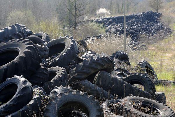 Objectif: faire disparaître en huit ans 60.000 tonnes de stocks abandonnés sur 61 sites, dont Lachapelle-Auzac est le plus important.